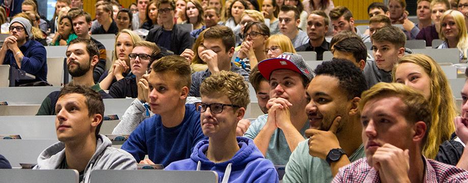 im Hörsaal Uni Jena Florian Rappen StET 2015